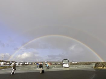 ブルーラグーン虹