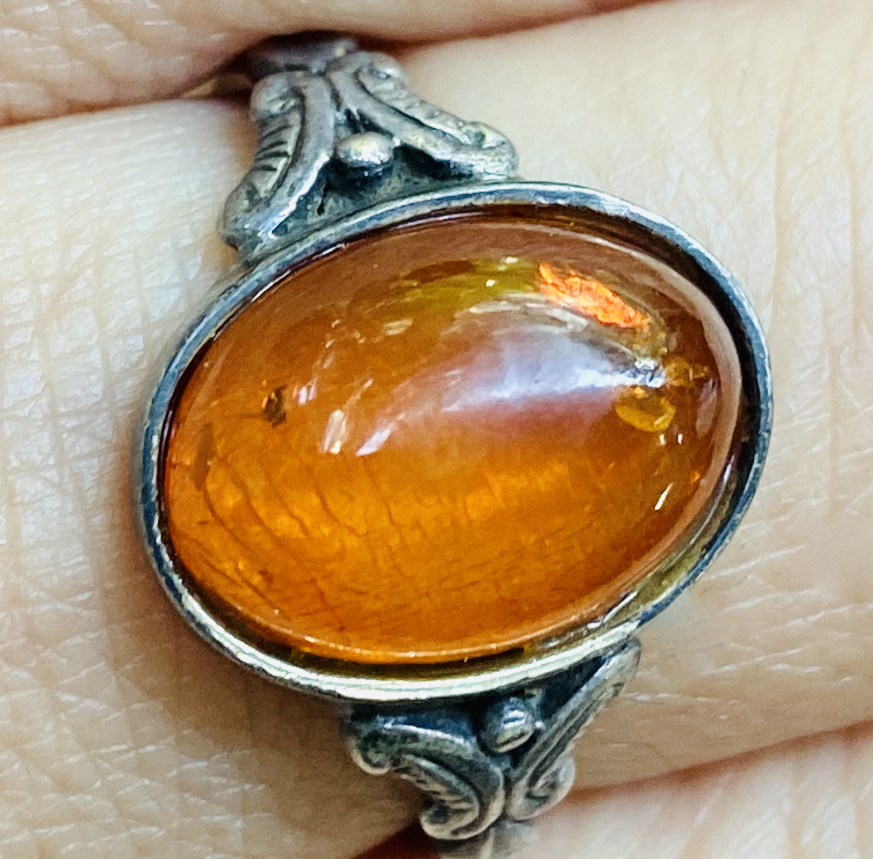 琥珀の指輪アイキャッチ