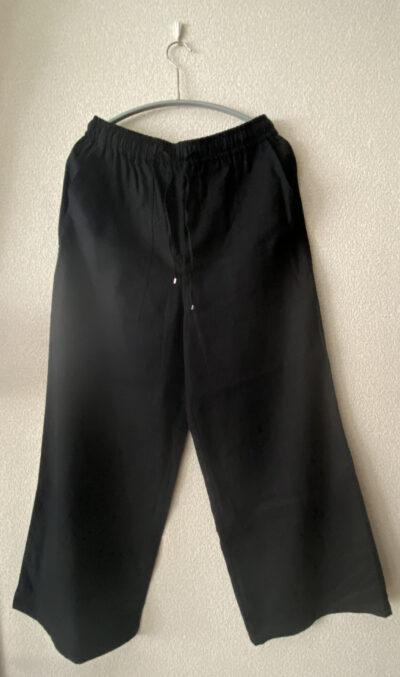 オンワード2021春黒パンツ